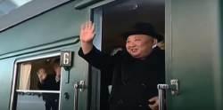 마루바닥 대신 카펫 깔고, 기관차 번호도 안보이게···달라진 <!HS>김정은<!HE> 특별열차