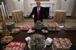셧다운에 요리사도 없어서···백악관 '패스트푸드 뷔페'
