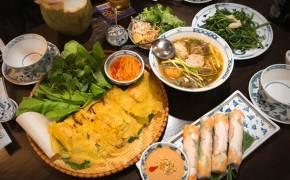 박항서 빈대떡이냐 文 쌀국수냐…베트남 셀럽 맛집 뜬다