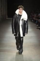 무스탕 재킷, 중년남성은 편하고 심플한 스타일로
