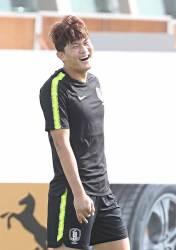 "<!HS>김영권<!HE>·권경원, '왓퍼드 이적설' 김민재에 ""유럽갔으면"""