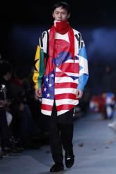프랑스 럭셔리 브랜드 루이비통 옷에 태극기 등장