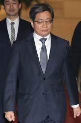 """""""법원 검찰 수사에 인분 뿌려"""" 영장갈등 시작은 13년 전 론스타"""