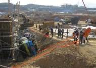 김포 아파트 공사장서 트럭 전도…1명 사망·2명 부상