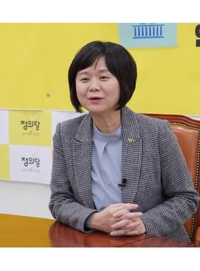 """[밀착마크]이정미 """"민주당이 사법개혁 주장? 검·판사 코웃음칠 것"""""""