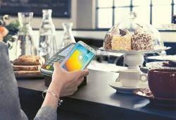 [이코노미스트]휴대전화 앞세운 삼성페이…간편한 카카오페이 지존 대결