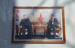 [서소문사진관]<!HS>문재인<!HE> 빼고 시진핑, 주중 북한대사관 사진 교체