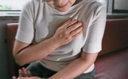 갑자기 가슴 짓눌리며 통증···협심증 '돌연사 위험신호'