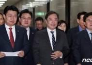 """""""윤리위 제소"""" """"선관위장 사퇴""""…후보들 보이콧에 강경 대응 목소리"""