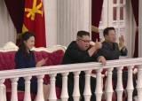 """김정은 발코니서 관람…태영호 """"경호 신경 쓰던 링컨도 발코니서 암살"""""""