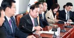 한국당 지지율 25.2%···5.18 망언에 보수도 등돌렸다
