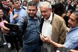 [서소문사진관]궁궐도 전용기도 싫다. 서민 행보 이어가는 멕시코 대통령