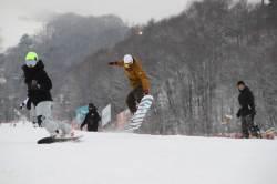 봄이다 스키장 가자…알뜰족 겨냥 통 큰 할인은 어디?