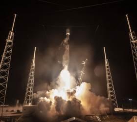 이스라엘 우주선 발사 성공...민간 <!HS>달<!HE> <!HS>탐사<!HE> 시대 열다