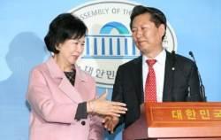 마포을 노리는 정청래, 손혜원에게 500만원 기부…후원금 눈도장 관행 여전