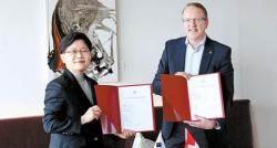 [새로운 도약] EMD 회원 가입 계약 체결…해외 시장 공략 첫발