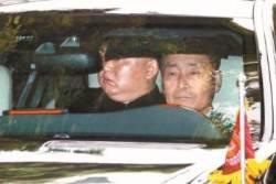 김정은, 북·미회담 결렬 충격···일정 반나절 앞당겨 귀국