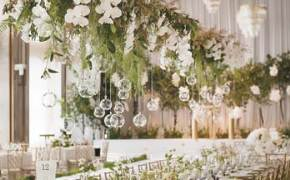[라이프 트렌드] 롤스로이스 웨딩카, 봄꽃 만발한 웨딩홀…예비 신랑·신부 유혹하다