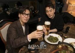 """[취중토크①] 윤상 """"북한 방문 이후 새 자극, 대동강 정말 멋지더라"""""""