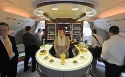 [글로벌 경제 Why] '하늘 호텔' 에어버스 A380, 14년 만에 불명예 퇴출된다
