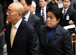 <!HS>전두환<!HE> 명예훼손 첫 재판 종료…법정에서는 '꾸벅꾸벅'