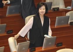 [포토사오정] 손혜원의 '존재감'···총리·부총리·장관들 줄지어 인사