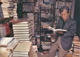 식비빼고 책만 산 전 대구시장, 60년 모은 7만권 기증한 사연