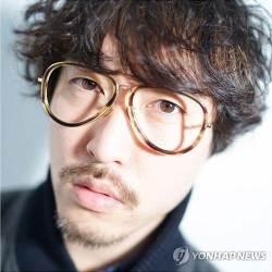 """'강제 추행 혐의' 사진작가 로타 징역 1년 구형…""""<!HS>피해자<!HE> 진술 구체적"""""""