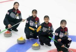 컬링 '리틀팀킴', 세계선수권서 일본 꺾고 선두