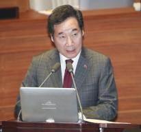 """李총리 """"경제정책 후유증 반성하고 있다""""…민주당에서도 자성론"""