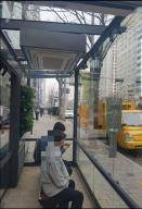 이젠 '미세행정' 시대…정류장에 먼지 피난처, 어린이집엔 먼지 신호등