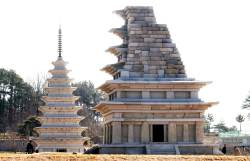 [서소문사진관] 국보 11호 익산 미륵사지 석탑, <!HS>18<!HE>년만에 다시 일반 공개돼