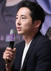 한국계 미국배우 스티븐연, 반려견 목줄 미착용·무례 태도 논란