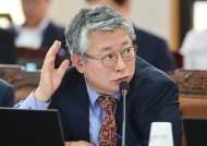 어쩌다 곽상도와 한배···'김학의 재수사' 난감해진 조응천