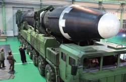 도움 없이는 생존 불가능···'핵 늪'에 빠진 김정은 미래는