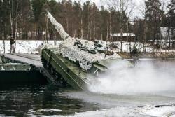 나토 70년···네덜란드 전차 18대, 독일 잠수함은 6척 뿐