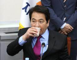 정부 예산자료 827만건 유출한 심재철 자유한국당 의원 기소유예