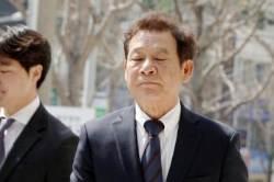 """'권양숙 사칭 사기' 윤장현 전 광주시장…검찰 """"공천 염두뒀다"""" 징역 2년 구형"""
