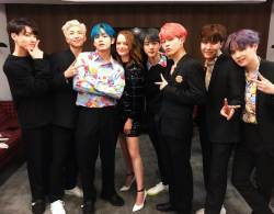 BTS, 미국 SNL서 컴백 무대…소개자 에마스톤도 열광