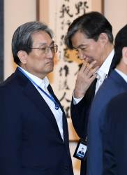"""지도부도 """"출마 검토해야""""…내년 총선 상수 돼가는 조국"""