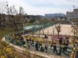 """""""잊을 수 없는 봄""""…눈물의 안산 세월호 5주기 기억식"""