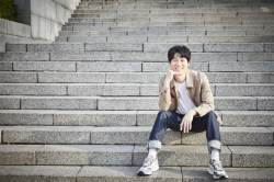 """""""왜 연기를 하냐고요? 즐겁고 행복해서죠"""" … 무대로 돌아온 천만배우 진선규"""