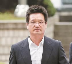 檢, 건설업자 윤중천 구속영장 청구…다음 타깃은 '김학의'