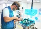 '아이언맨'의 가상현실, BMW 공장에 등장했다