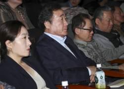 이낙연 총리가 <!HS>세월호<!HE> 유가족을 만나며 얻은 '위로의 방법'