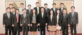 <!HS>후쿠시마<!HE> 어퍼컷 날린 WTO 검투사는 35세 예비신부