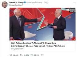 """트럼프, 최저 시청률 기록한 CNN에 """"축하한다"""""""
