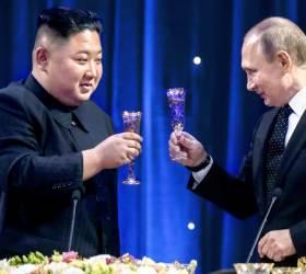<!HS>푸틴<!HE> 카드 과시한 김정은, 뒤로 밀린 남북 정상회담