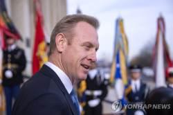 """美 국방대행 """"北비핵화 최우선 해법은 외교, 실패 대비 훈련은 계속"""""""