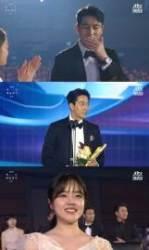 """[2019 백상예술대상] 정우성, 영화부문 대상 수상 """"김향기, 완벽한 파트너였다"""""""